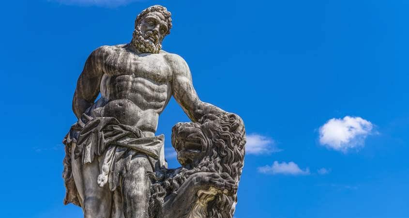statua herkulesa