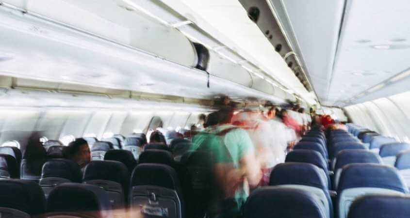 Putnici u avionu pred let