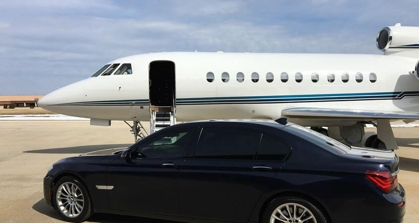 Luksuzni avion i automobil