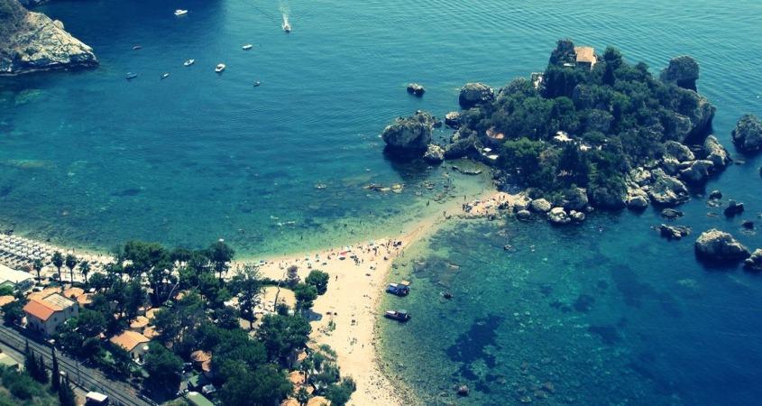 Nudističke plaže na Siciliji, Sicilija leto