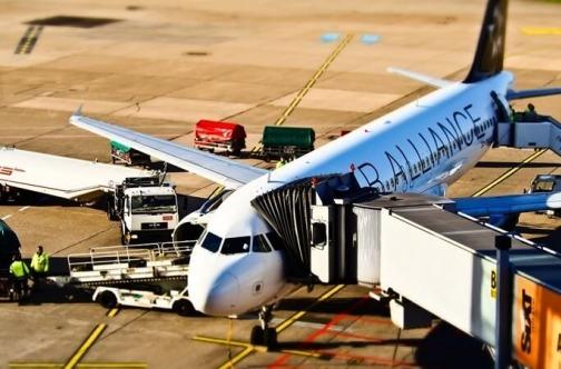 Avion na pisti