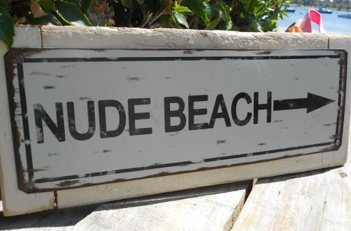 Šta je nudizam i koja su pravila na nudističkim plažama