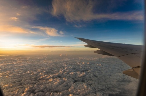 Pogled iz aviona na oblake